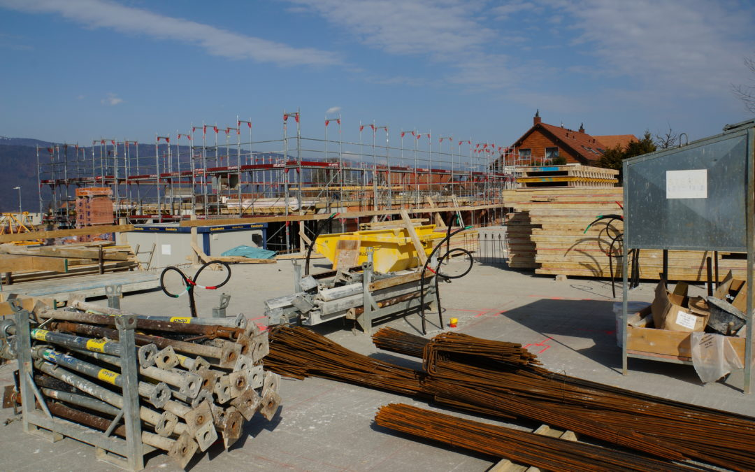Haus A Fundament, Haus B Decke über EG fertiggestellt